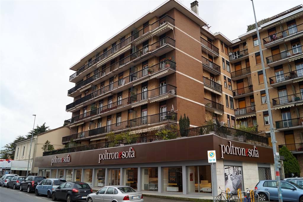 Appartamento in Affitto a Monza: 2 locali, 60 mq