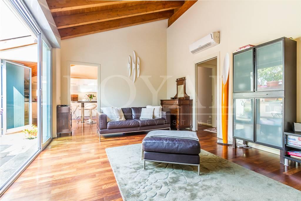 Appartamento in Vendita a Monza: 4 locali, 122 mq