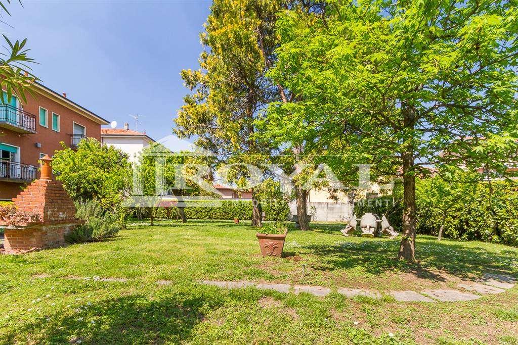 Terreno residenziale in Vendita a Cinisello Balsamo: 430 mq