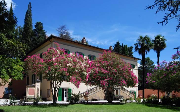 Soluzione Indipendente in vendita a Cortona, 28 locali, prezzo € 7.500.000 | CambioCasa.it