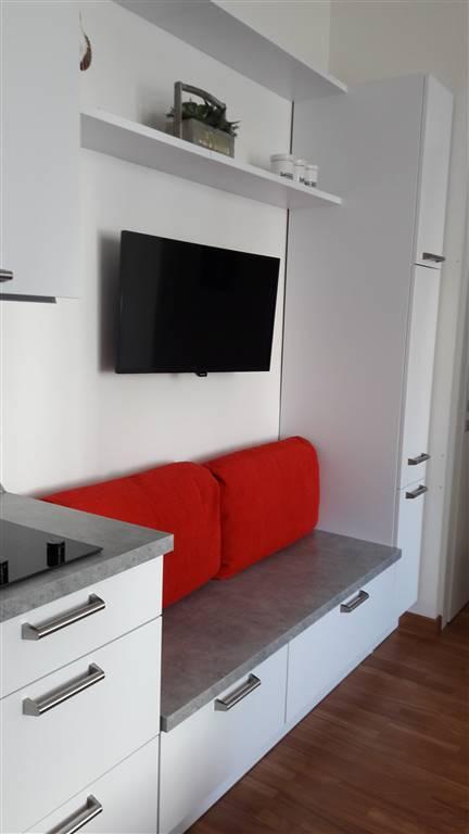 Appartamento in affitto a Arezzo, 1 locali, zona Zona: Via Roma/Via Crispi, prezzo € 500 | CambioCasa.it