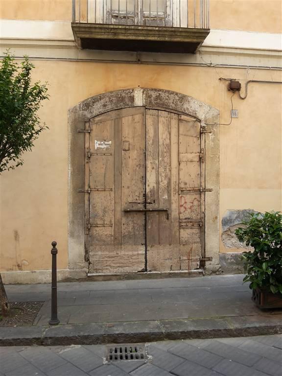 Negozio / Locale in vendita a Salerno, 9999 locali, zona Zona: Centro Storico, prezzo € 65.000 | CambioCasa.it