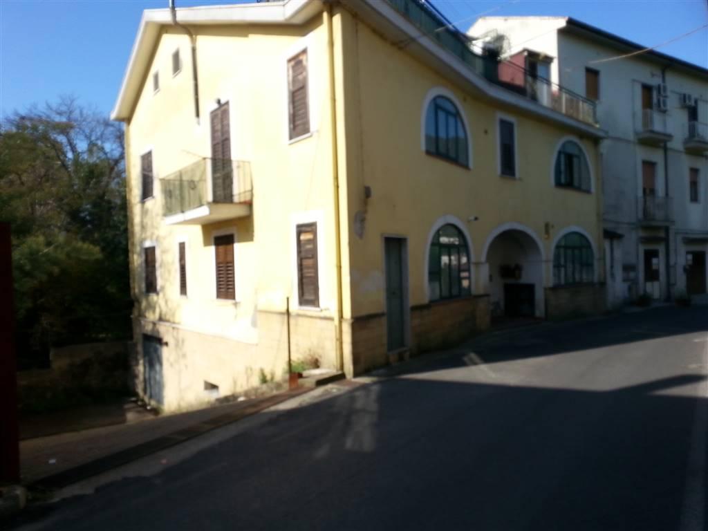 Appartamento in affitto a Salerno, 2 locali, zona Zona: Fratte, prezzo € 450   CambioCasa.it