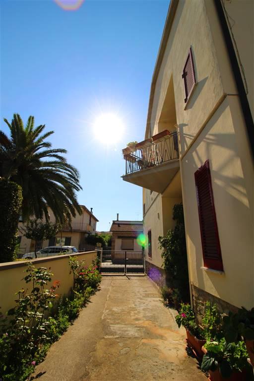 Soluzione Indipendente in vendita a Castagneto Carducci, 8 locali, prezzo € 270.000 | Cambio Casa.it