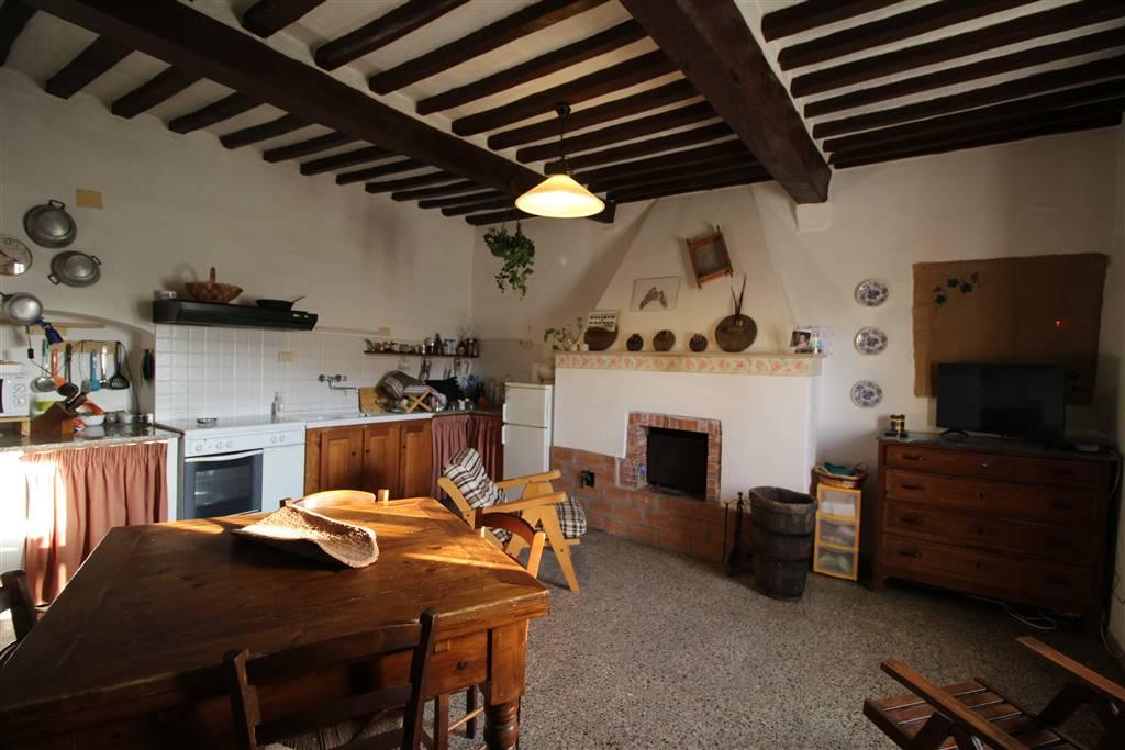 Soluzione Indipendente in vendita a Castagneto Carducci, 5 locali, prezzo € 250.000 | Cambio Casa.it