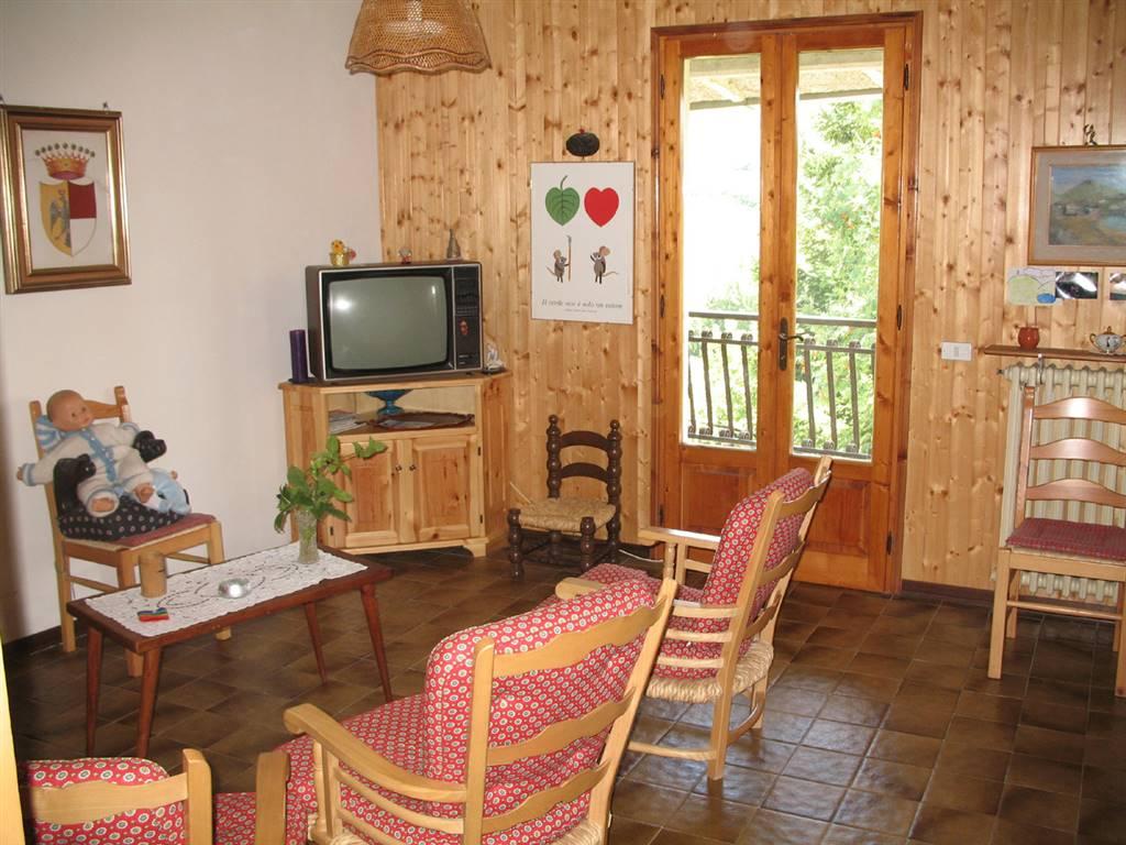 Villa in vendita a Pievepelago, 9 locali, zona Zona: Sant'Anna Pelago, prezzo € 160.000 | CambioCasa.it
