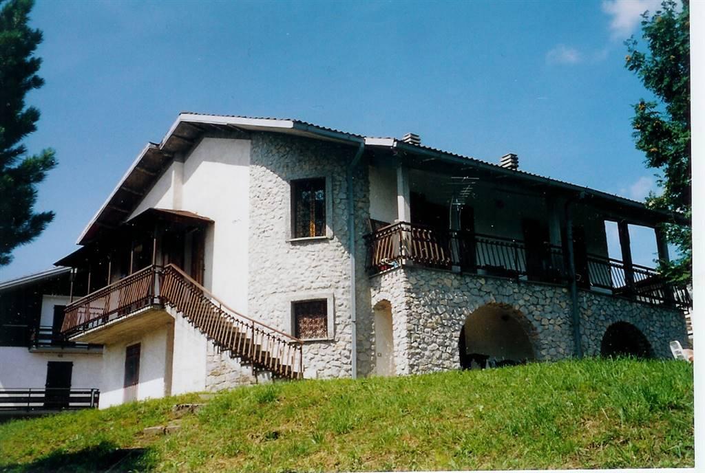 Villa in vendita a Pievepelago, 9 locali, zona Zona: Sant'Anna Pelago, prezzo € 160.000 | Cambio Casa.it