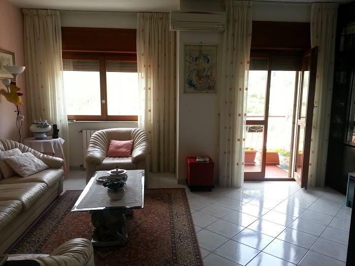 Appartamento in vendita a Vietri sul Mare, 4 locali, zona Zona: Dragonea, prezzo € 230.000 | CambioCasa.it
