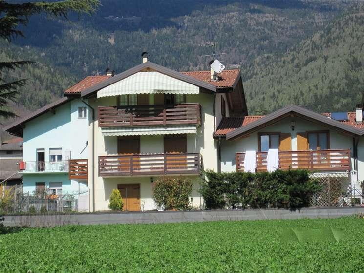 Appartamento in vendita a Levico Terme, 4 locali, prezzo € 165.000 | Cambio Casa.it