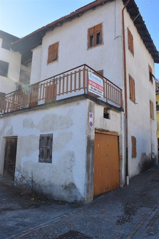 Soluzione Semindipendente in vendita a Baselga di Pinè, 12 locali, zona Zona: Rizzolaga, prezzo € 140.000 | Cambio Casa.it