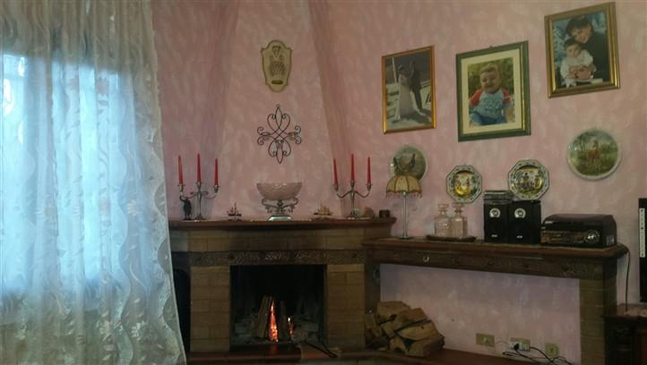 Villa a schiera, Botteghino Valle, Carpi, in ottime condizioni