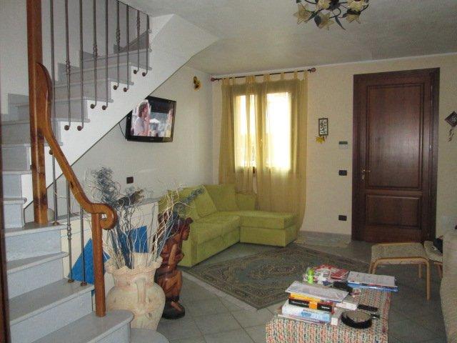 Villa a schiera, Correggio, ristrutturata