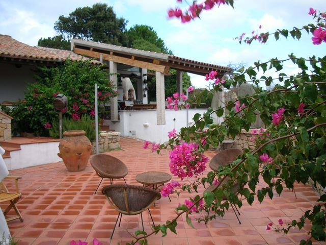 Villa in vendita a La Maddalena, 9 locali, Trattative riservate | CambioCasa.it