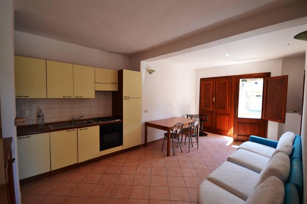 Soluzione Indipendente in vendita a La Maddalena, 3 locali, prezzo € 75.000   Cambio Casa.it