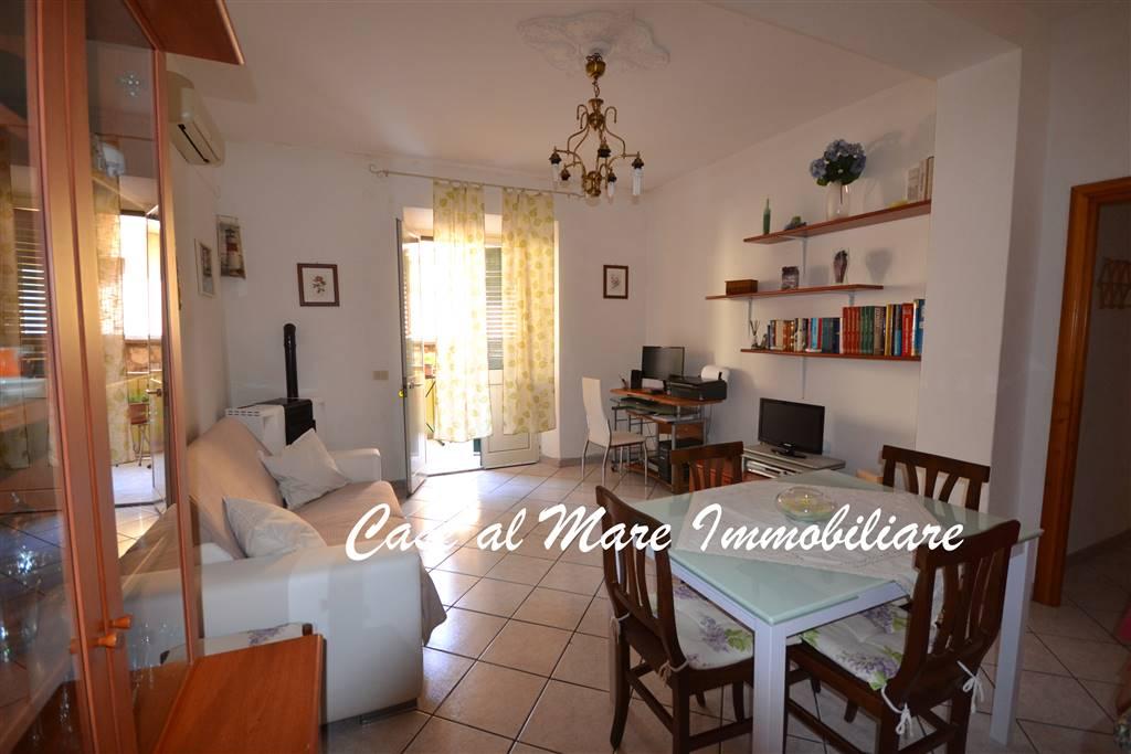 Soluzione Indipendente in vendita a La Maddalena, 6 locali, prezzo € 159.000 | Cambio Casa.it
