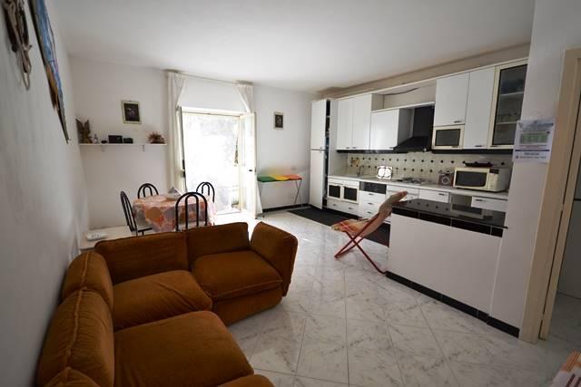 Soluzione Indipendente in vendita a La Maddalena, 5 locali, prezzo € 160.000 | Cambio Casa.it