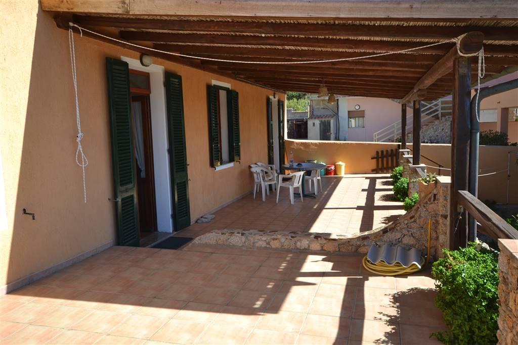 Villa in vendita a La Maddalena, 6 locali, Trattative riservate | Cambio Casa.it