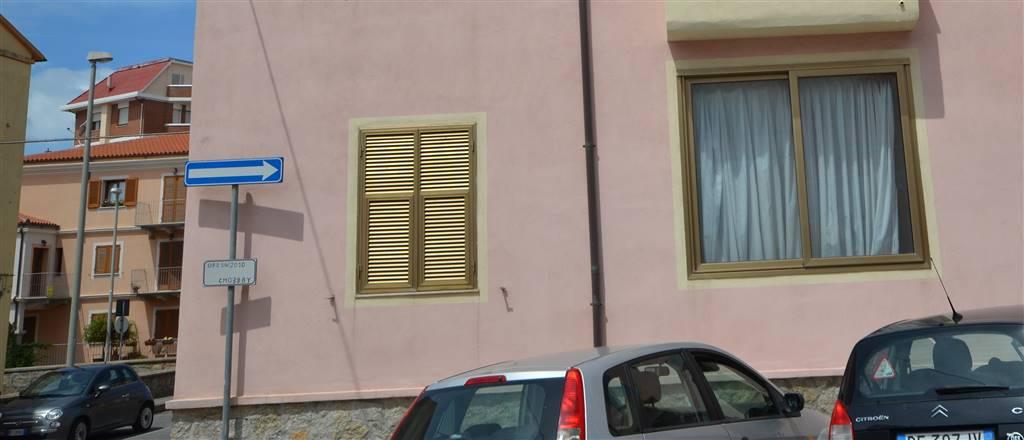Appartamento in vendita a La Maddalena, 4 locali, prezzo € 90.000 | CambioCasa.it