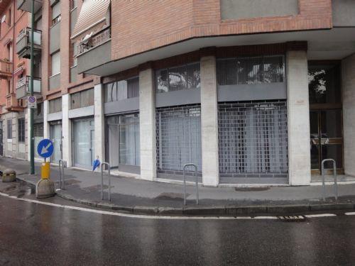 Negozio / Locale in affitto a Sesto San Giovanni, 1 locali, prezzo € 400 | CambioCasa.it