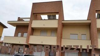 Villa in vendita a Cologno Monzese, 5 locali, prezzo € 420.000 | Cambio Casa.it