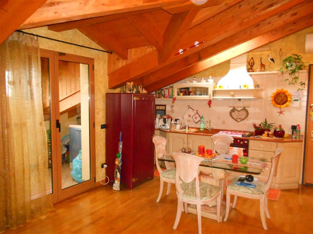 Appartamento in vendita a Brugherio, 2 locali, prezzo € 145.000 | Cambio Casa.it