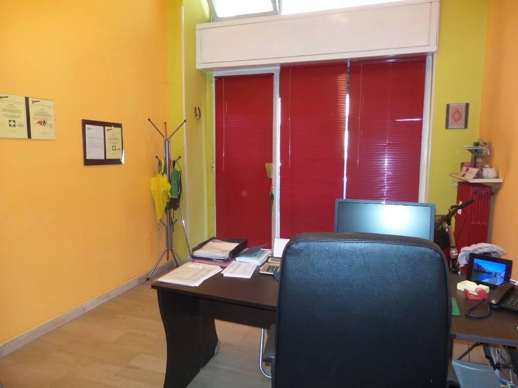 Negozio / Locale in affitto a Sesto San Giovanni, 450 locali, prezzo € 500 | CambioCasa.it