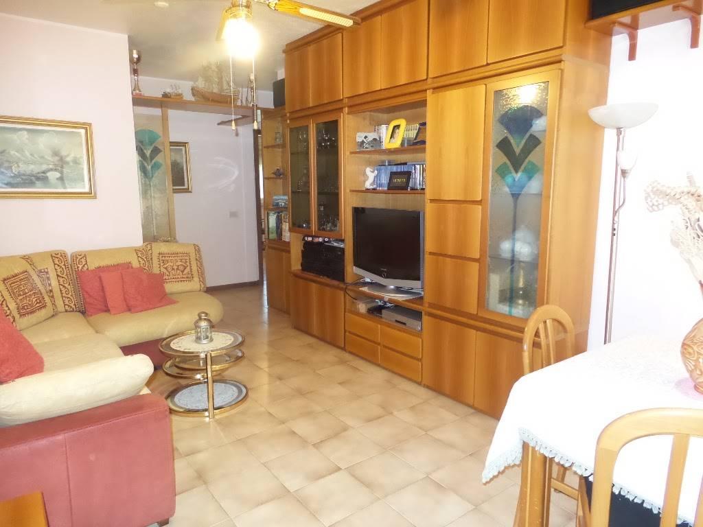 Appartamento in vendita a Sesto San Giovanni, 4 locali, prezzo € 200.000 | Cambio Casa.it