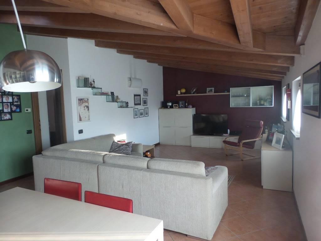 Appartamento in vendita a Cologno Monzese, 3 locali, prezzo € 298.000 | Cambio Casa.it