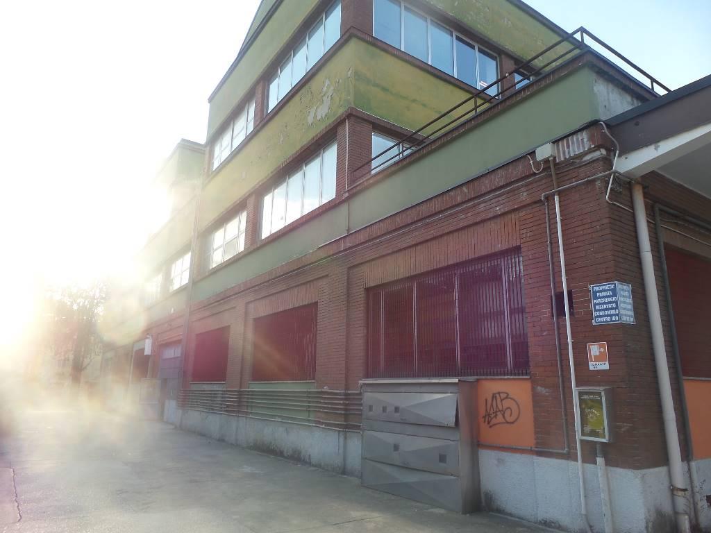 Immobile Commerciale in Affitto a Sesto San Giovanni