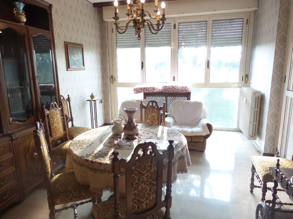 Appartamento in vendita a Sesto San Giovanni, 3 locali, prezzo € 150.000 | Cambio Casa.it