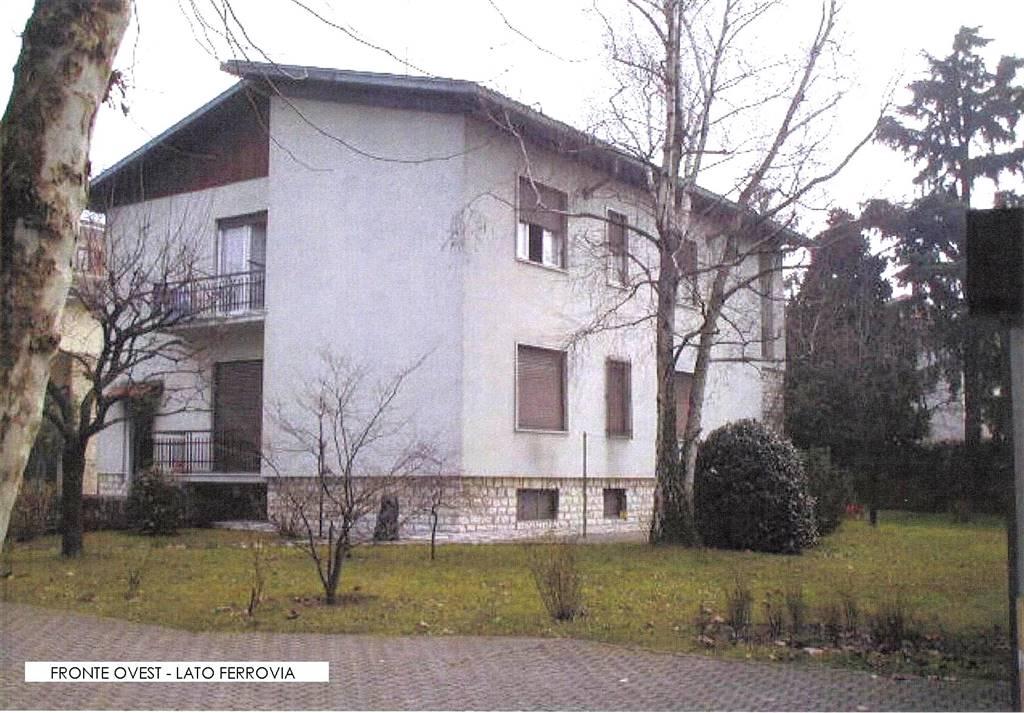 Villa in vendita a Monza, 14 locali, zona Zona: 5 . San Carlo, San Giuseppe, San Rocco, prezzo € 900.000 | Cambio Casa.it