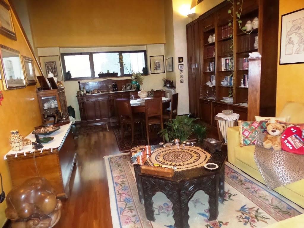 Soluzione Indipendente in vendita a Sesto San Giovanni, 6 locali, prezzo € 370.000 | CambioCasa.it