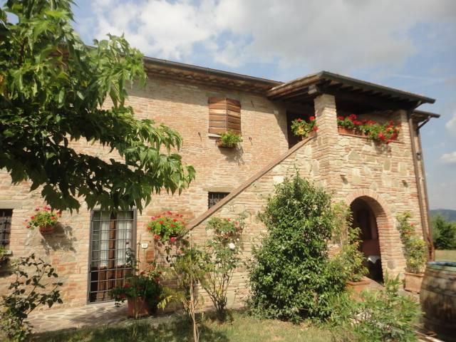 Rustico casale, Montecchio, Cortona, ristrutturato