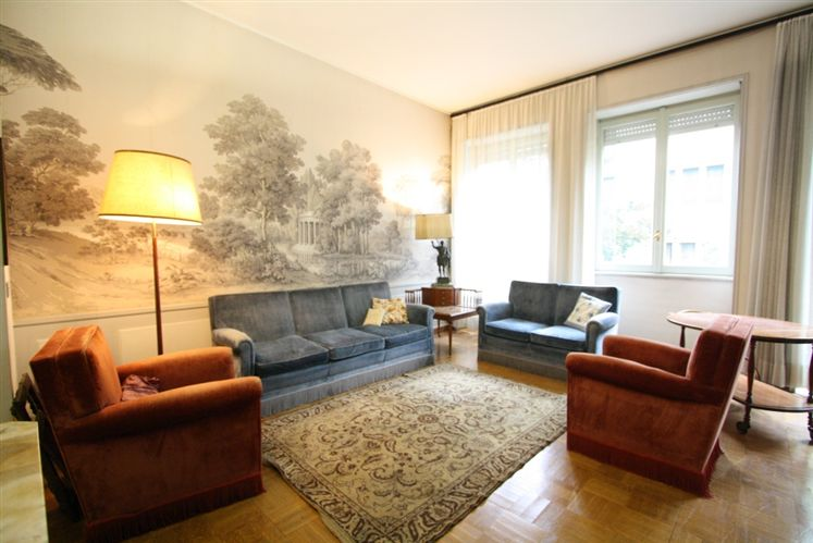 Appartamento di lusso in vendita a milano via della for Doppi bagni padronali