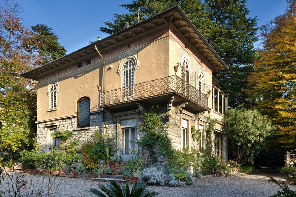 Villa-Villetta Vendita Erba