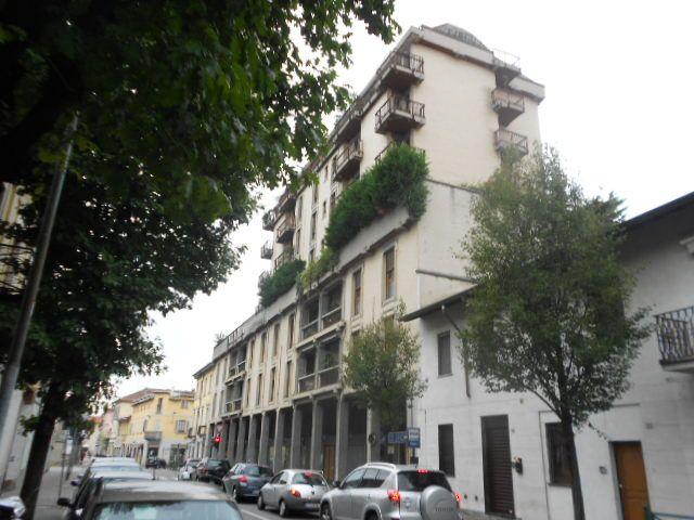 Appartamento in vendita a Muggiò, 6 locali, prezzo € 270.000 | Cambiocasa.it