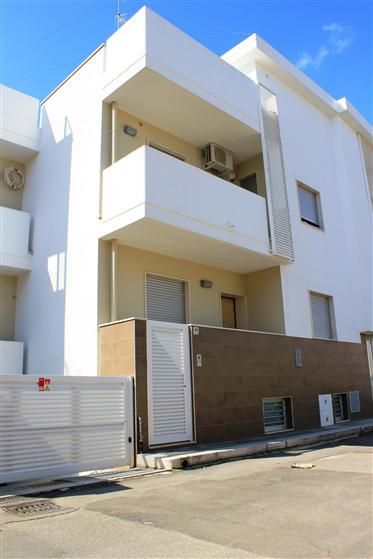 Soluzione Indipendente in vendita a Adelfia, 3 locali, zona Zona: Canneto, prezzo € 175.000 | Cambio Casa.it