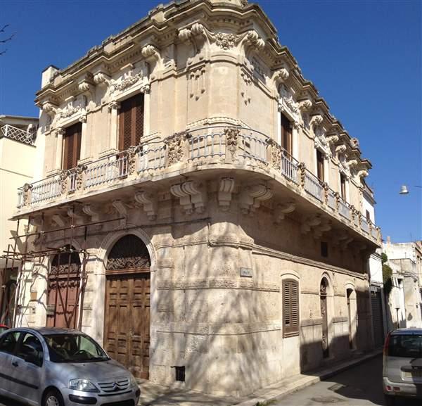 Soluzione Indipendente in vendita a Adelfia, 8 locali, zona Zona: Montrone, prezzo € 290.000   Cambio Casa.it