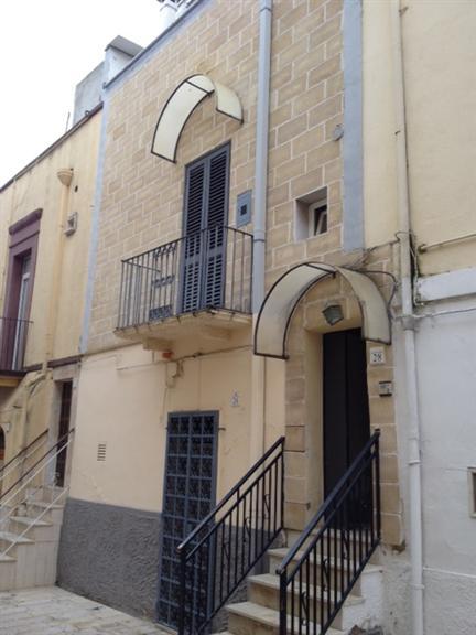 Soluzione Indipendente in vendita a Adelfia, 3 locali, zona Zona: Canneto, prezzo € 90.000   Cambio Casa.it