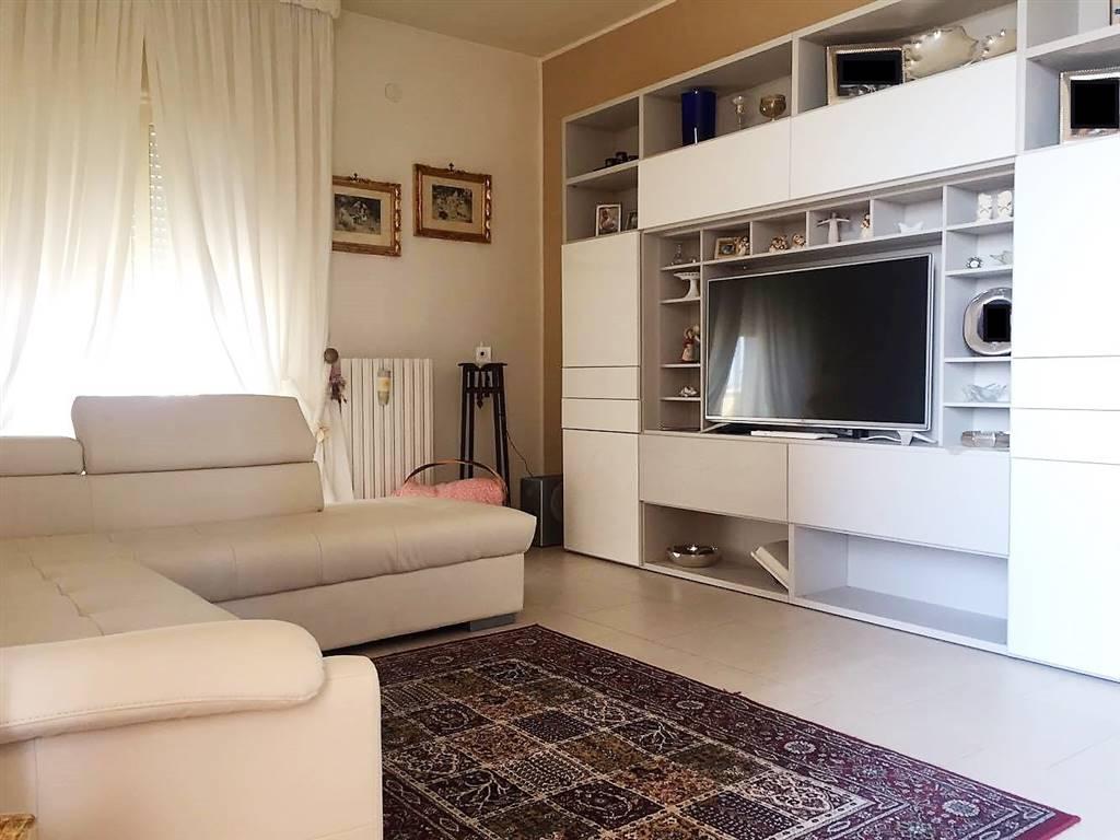 Appartamento in vendita a Adelfia, 3 locali, zona Zona: Montrone, prezzo € 130.000 | Cambio Casa.it