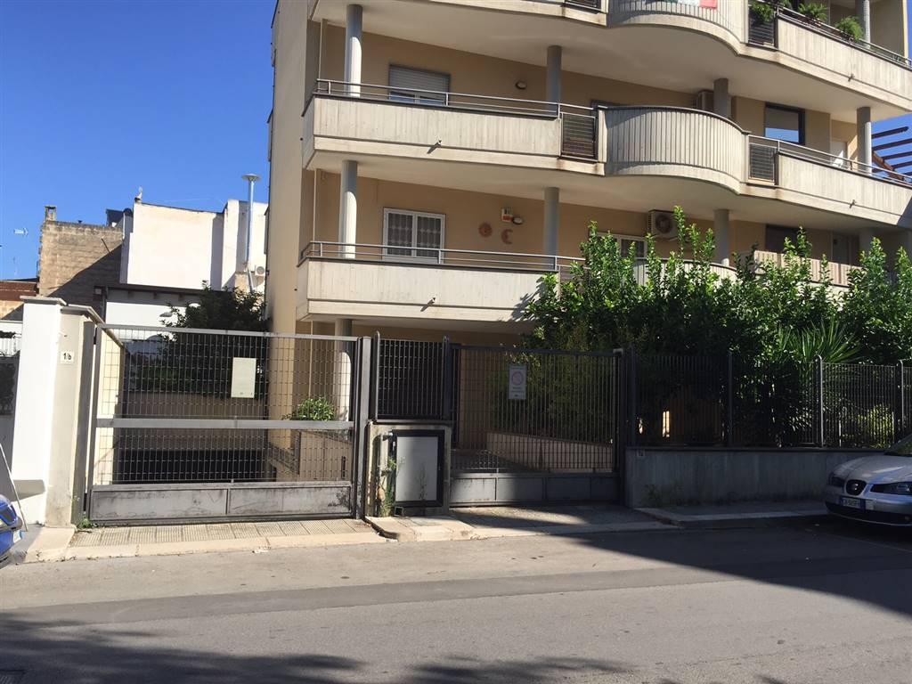 Magazzino in vendita a Adelfia, 9999 locali, zona Zona: Canneto, prezzo € 23.000   Cambio Casa.it