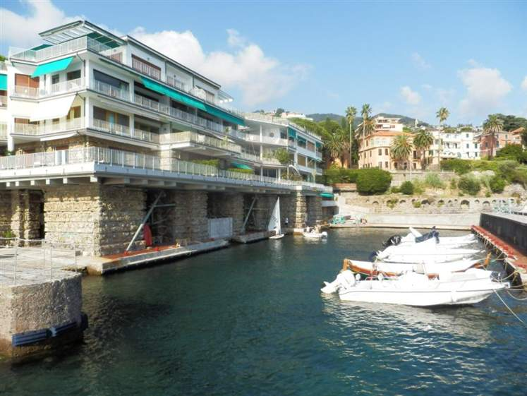 Soluzione Indipendente in vendita a Rapallo, 8 locali, zona Zona: San Michele di Pagana, Trattative riservate | Cambio Casa.it