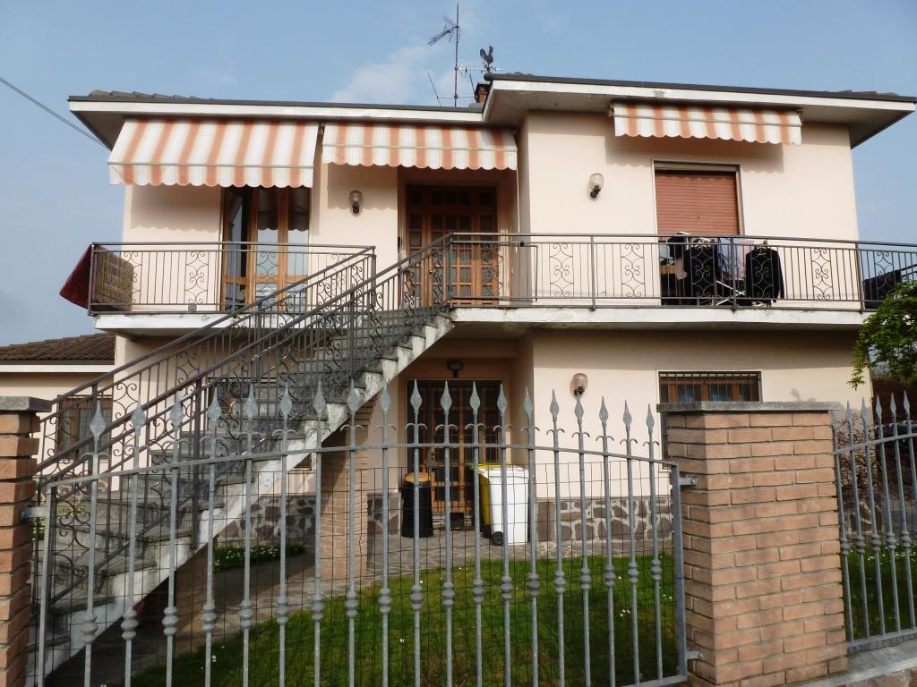 Villa Bifamiliare in Vendita a Travacò Siccomario