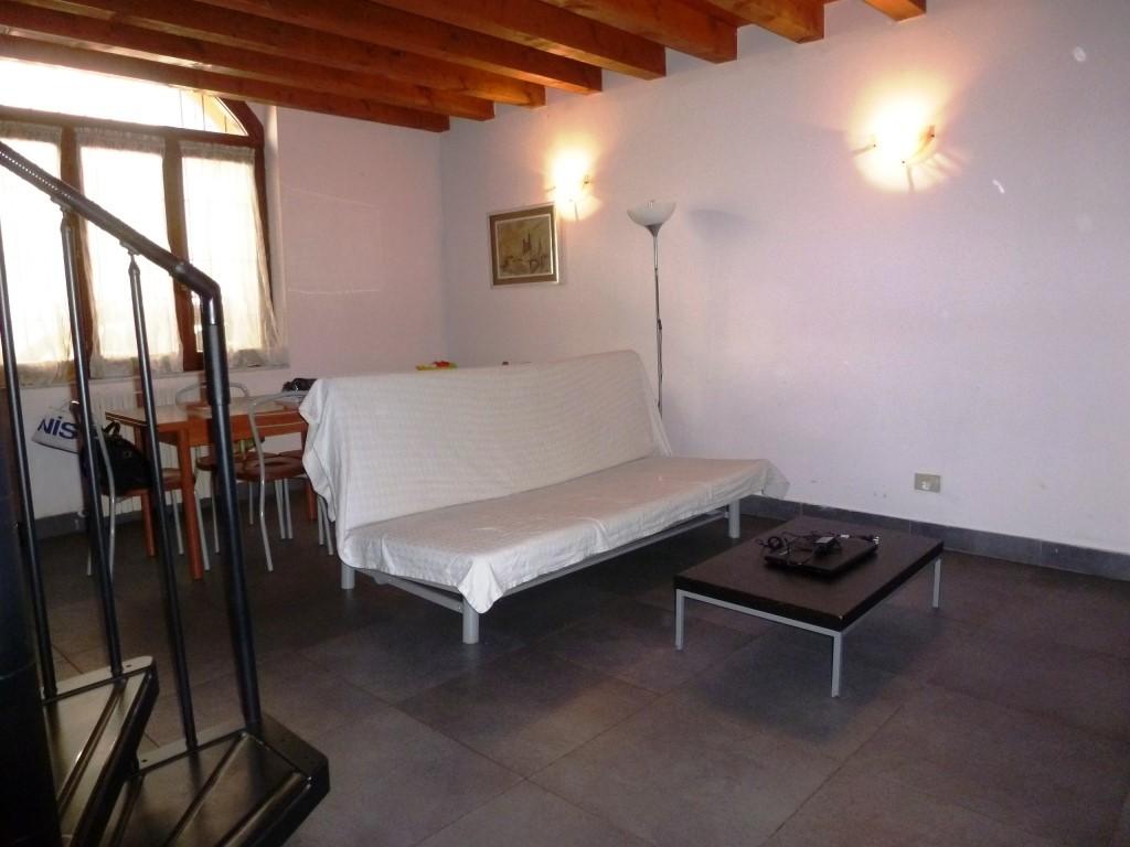 Appartamento in vendita a Pavia, 3 locali, zona Zona: S. Pietro - V.le Cremona, prezzo € 157.000 | Cambio Casa.it