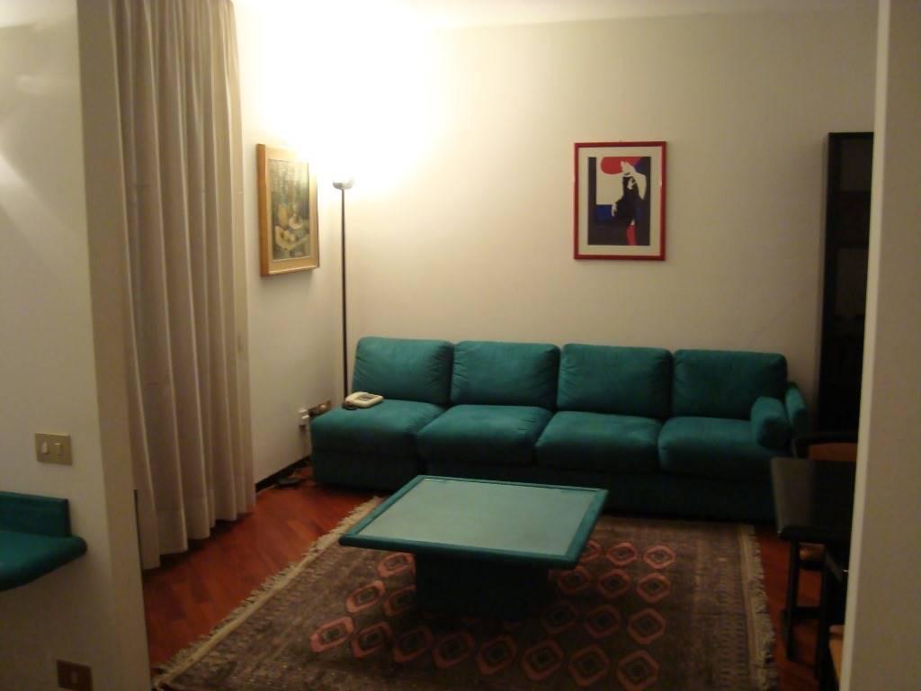 Appartamento in affitto a Milano, 2 locali, zona Località: DUOMO, prezzo € 1.100 | Cambio Casa.it