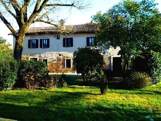 Soluzione Indipendente in affitto a Vernate, 4 locali, zona Zona: Coazzano, prezzo € 1.300 | Cambio Casa.it