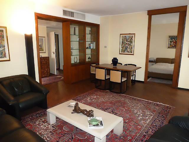 Appartamento in affitto a Milano, 2 locali, zona Località: DUOMO, prezzo € 1.400 | Cambio Casa.it
