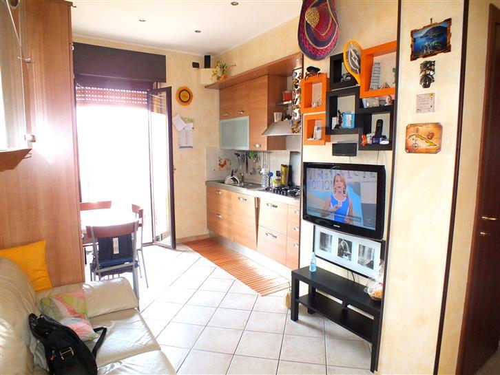 Appartamento in vendita a Melzo, 3 locali, prezzo € 115.000 | Cambio Casa.it