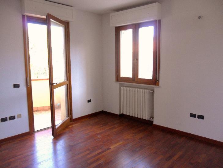 Appartamento in vendita a Cesena, 4 locali, zona Zona: Zona Stadio, prezzo € 170.000 | Cambio Casa.it