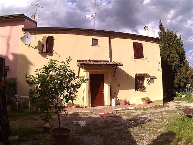 Soluzione Semindipendente in vendita a Cesena, 5 locali, zona Zona: San Carlo, prezzo € 205.000 | Cambio Casa.it